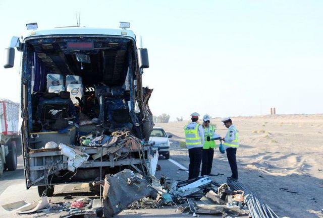 12 کشته و زخمی در تصادف اتوبوس و هوو