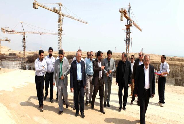 بازدید مسئولان نظارتی هرمزگان از شبکه جامع پل خلیج فارس