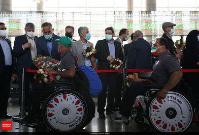 استقبال از ورزشکاران کاروان پارالمپیکی ایران/ ببینید