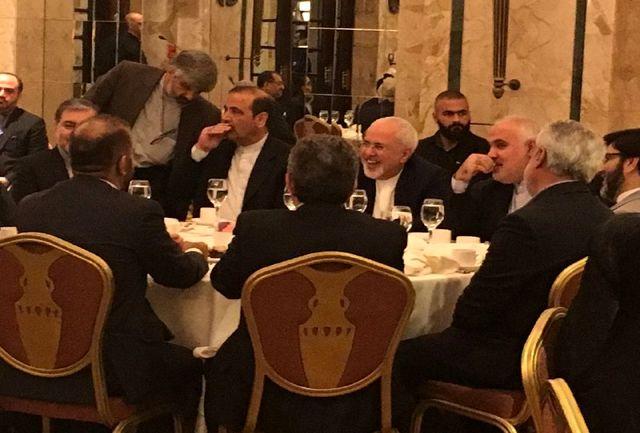 ظریف بانهادهای ایرانی مقیم لبنان دیدار کرد