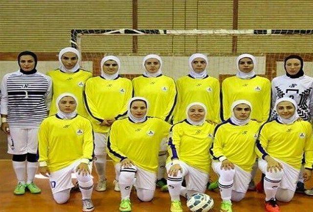 سرمربی و بازیکن فوتسال بانوان پالایش نفت آبادان در ترکیب تیم منتخب هفته