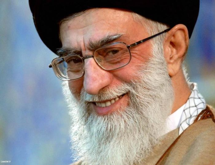 موافقت رهبر انقلاب با عفو و تخفیف مجازات تعدادی از محکومان