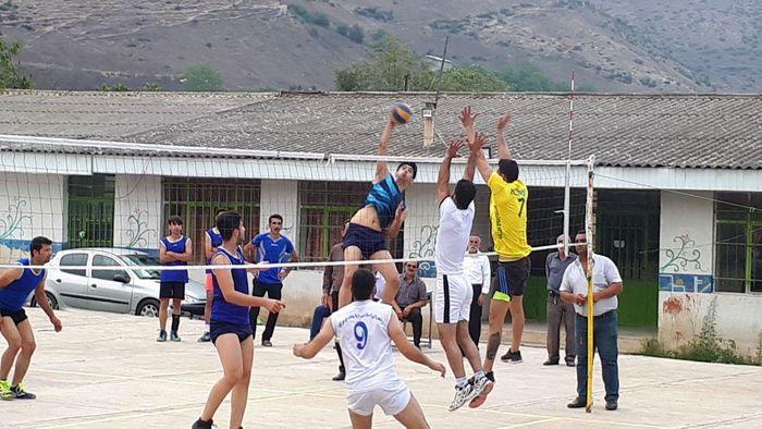 حذف غیرمنتظره تیم والیبال  استقلال کلنو در مسابقات جام شهدای پردنگون