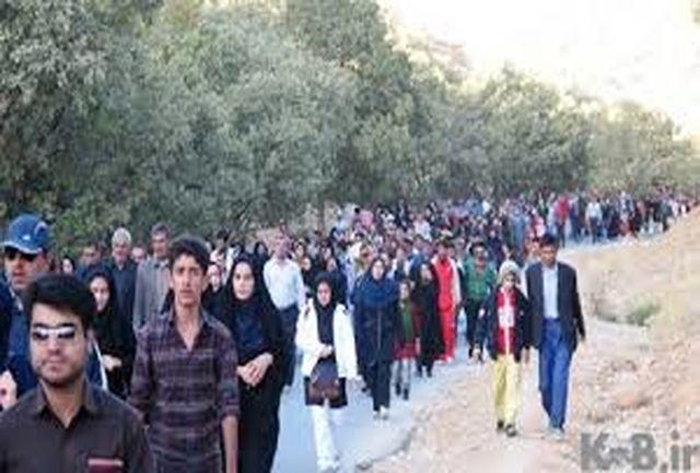 حضور پرشور خانوادههای رزن در همایش بزرگ پیادهروی