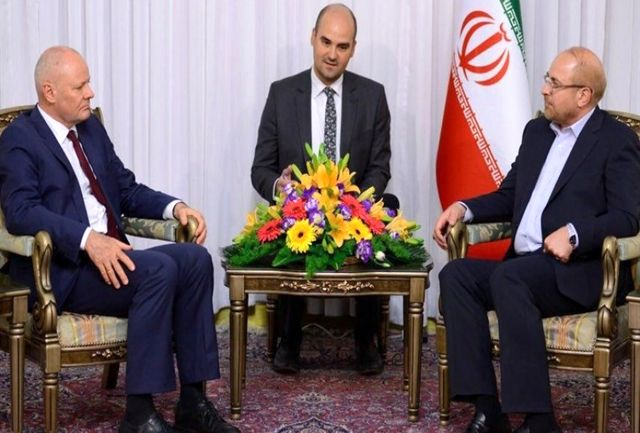 نمیتوان انتظار داشت ایران هم تحریم باشد و هم در برجام بماند