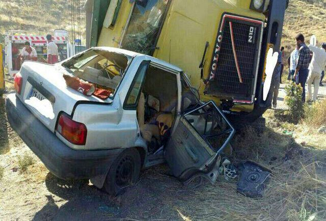 برخورد پراید با کامیون ۲ کشته برجا گذاشت