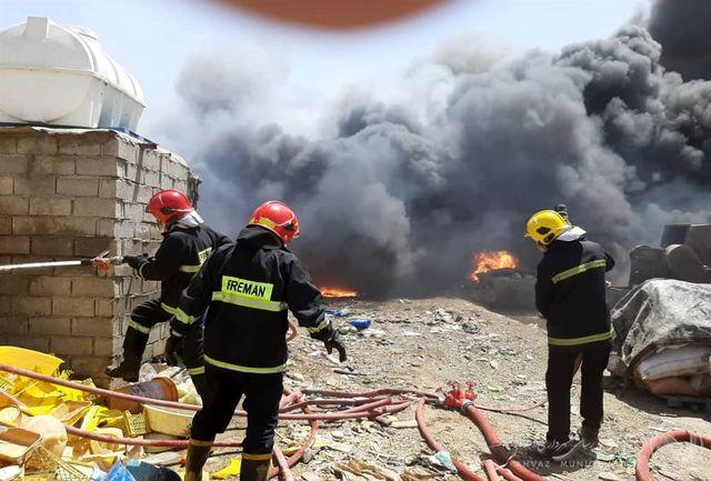 تلاش آتش نشانان برای مهار ۶ آتش سوزی طی ۲۴ ساعت اهواز