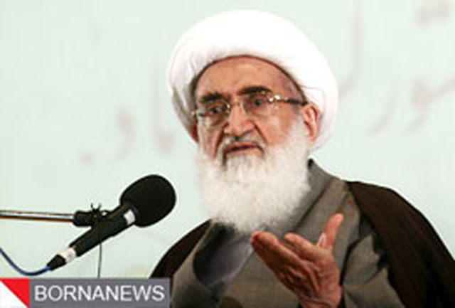 انقلاب اسلامی ارزشهای دینی را احیا کرد