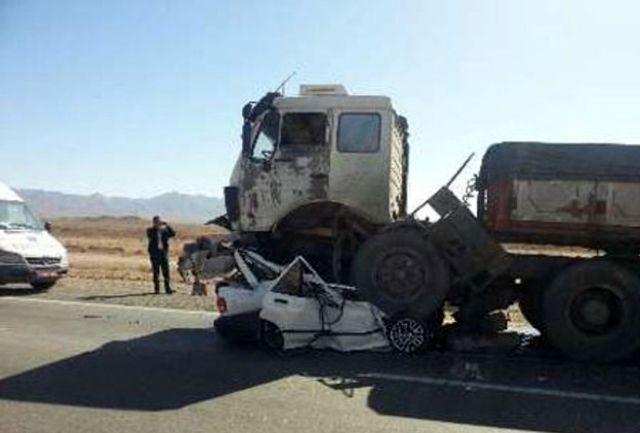 8 کشته در تصادف فجیع پراید با تریلی