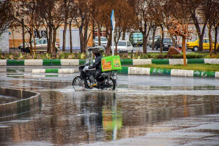 ایران بارانی شد/ دمای هوا رو به کاهش است