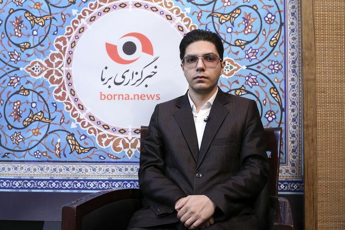حال زبان فارسی بین مردم وخیم نیست/ رسانه های خارجی از زبان فارسی حرفه ای تر استفاده می کنند!