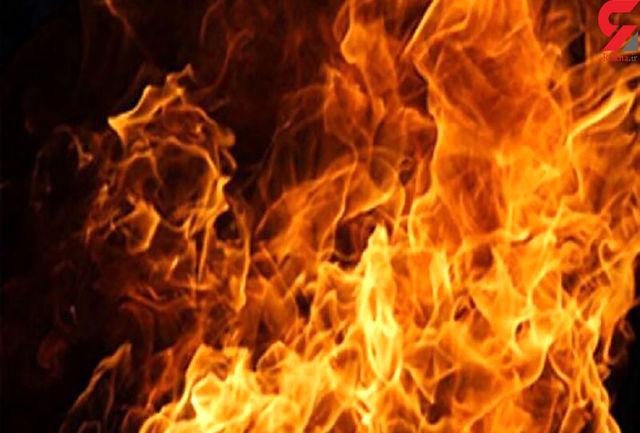 شعله های آتش در انبار ظروف چینی
