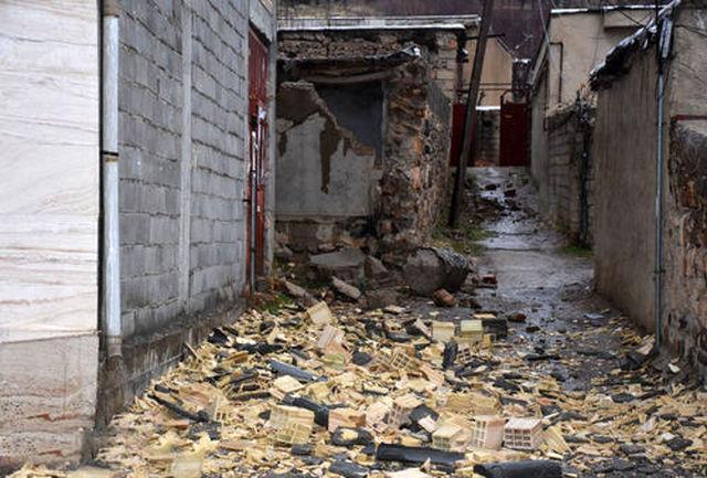 رییسی از مناطق زلزله زده سی سخت بازدید کرد