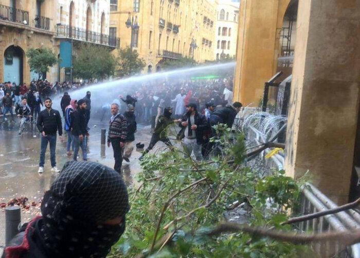 هشت زخمی در درگیری میان تظاهرکنندگان و نیروهای امنیتی لبنان