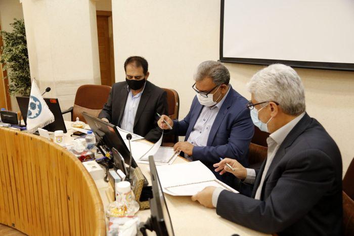 امضای تفاهمنامه همکاریهای سه جانبه علمی، پژوهشی و آموزشی دانشگاه اصفهان