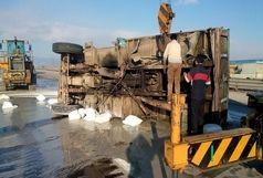 برخورد دو دستگاه کامیون در آزادراه قزوین - زنجان