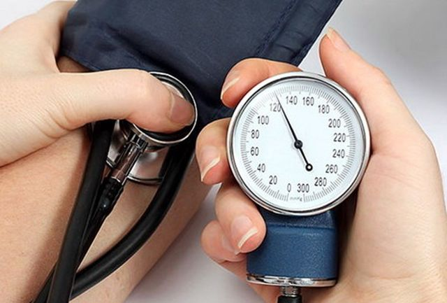 کنترل «فشار خون» ۲۰ میلیون نفر در ۲۶ هزار پایگاه سلامت از امروز