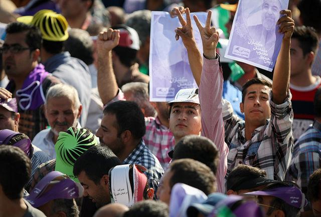 استقبال پرشور مردم از کاروان تدبیروامید در اسلامشهر