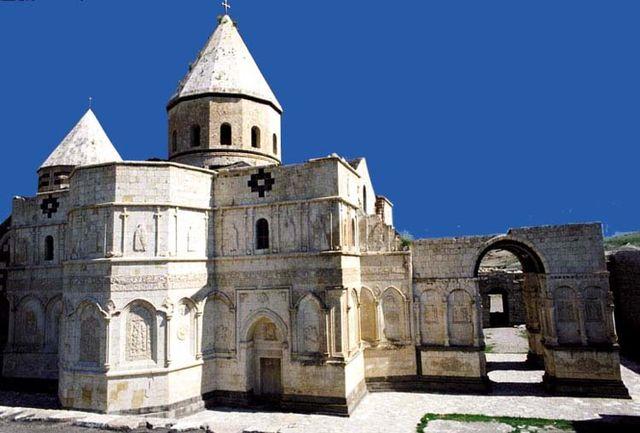 """برگزاری مراسم مذهبی """"باداراک"""" در قره کلیسای چالدران"""