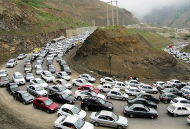 ترافیک در محور کرج- چالوس سنگین است/ انسداد راه ها در چندین محور و اعلام مسیرهای جایگزین