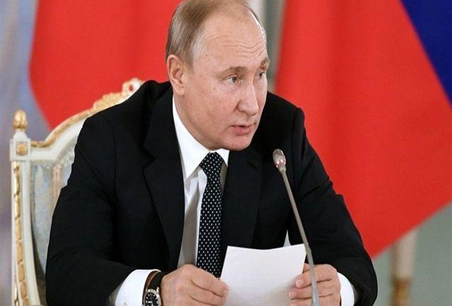 پوتین قانون جریمه مقام های هتاک روس را اجرایی کرد
