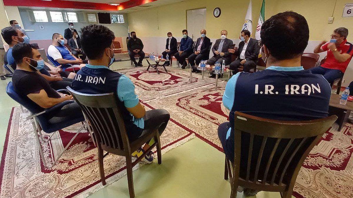 وزیر ورزش در اردوی تیم ملی وزنه برداری