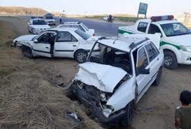 ۱۶ نفرمصدوم در یک تصادف زنجیرهای بین ۲۵ خودرو در محور قدیم  قزوین - تاکستان