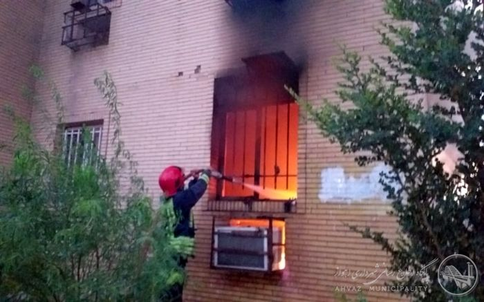 کولر پنجره ای خانه خانواده اهوازی را به آتش کشید