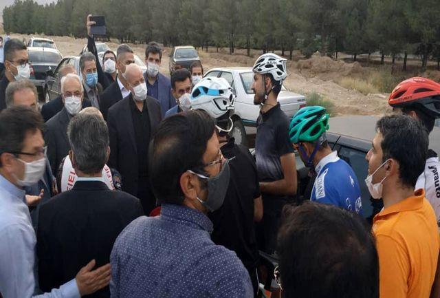 توییت استانداراصفهان در ارتباط با ایجاد جاده ایمن دوچرخه سواری در اصفهان